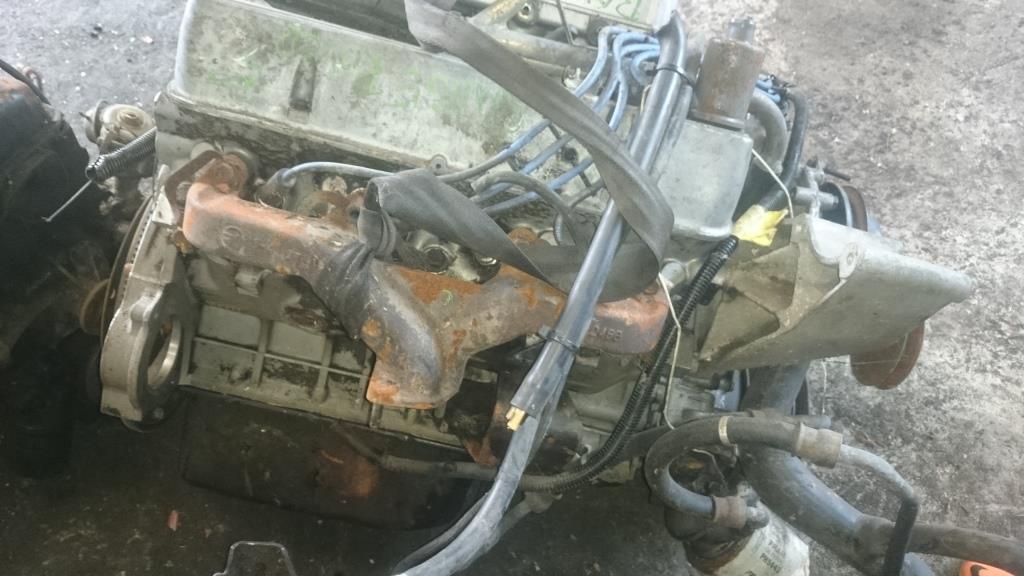 gebrauchte motoren range rover 3 9 v6 motor steckt als tisch