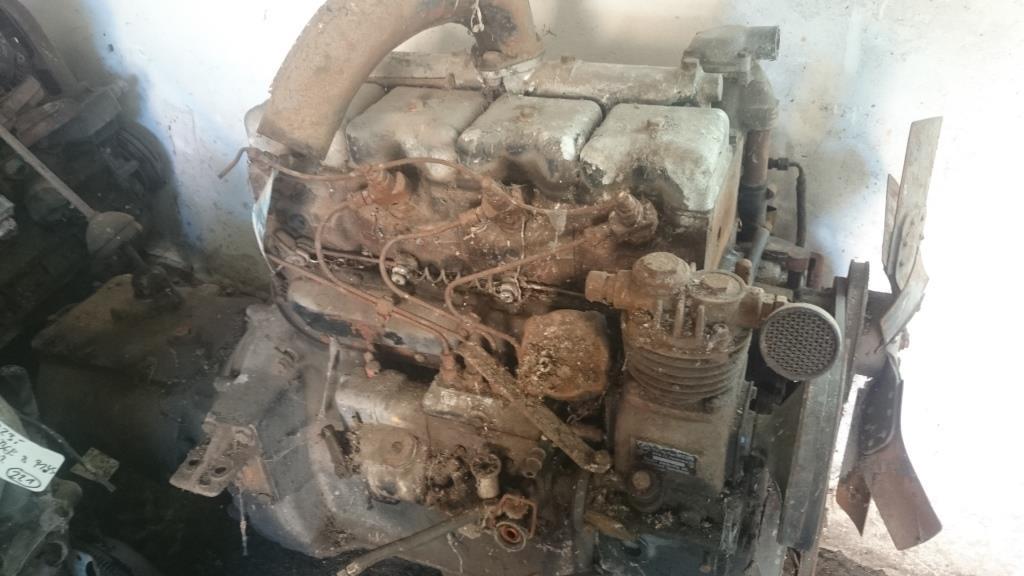 gebrauchte motoren steyr 480 motor wd413c mit getriebe. Black Bedroom Furniture Sets. Home Design Ideas